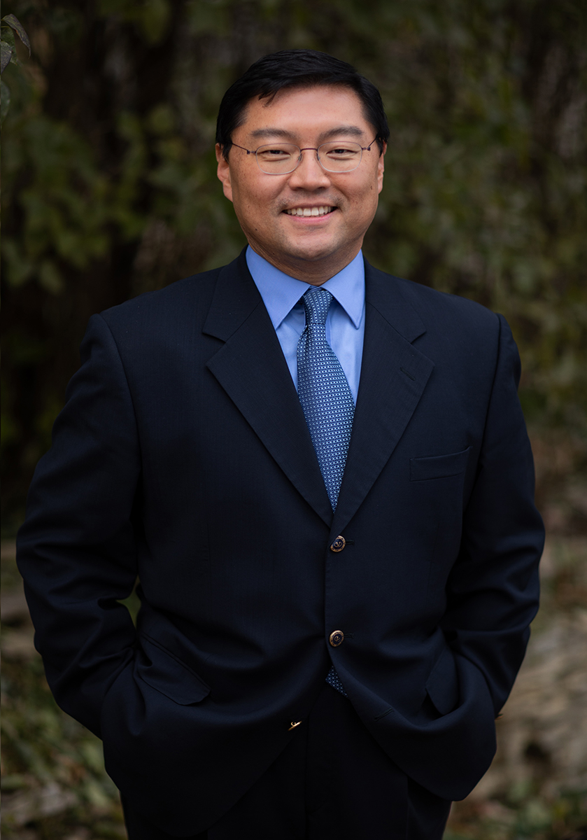 Dr. Woojin Kwon, DDS
